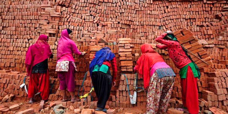 الأغلبية الساحقة من العمال الإيرانيين يعملون بأجر يومي