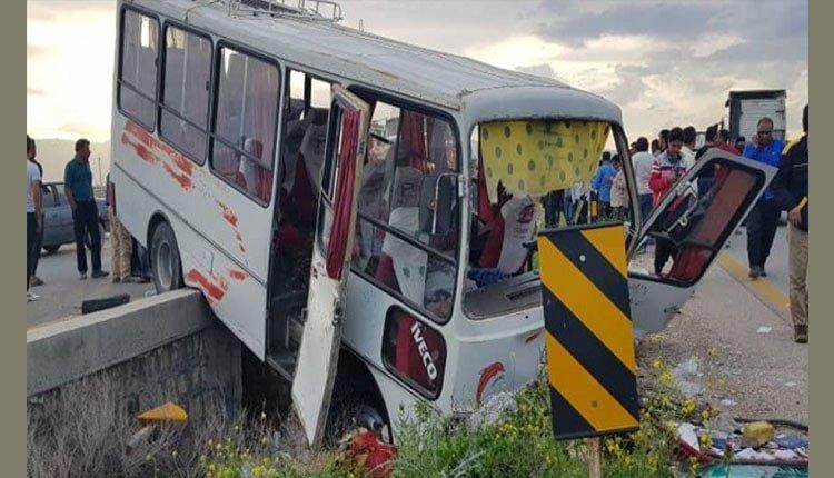 ۲۰ دانش آموز دختر در اثر تصادف اتوبوس مدرسه مجروح و مصدوم می شوند