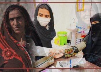 مامای جوان برای درمان رایگان زنان در چابهار با موانع بسیاری مواجه است