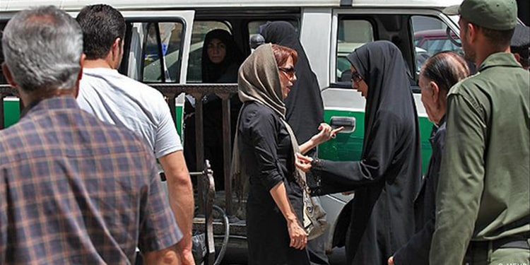 حجاب اجباری، امنیت ملی یا امنیت آخوندهای زن ستیز حاکم بر ایران؟