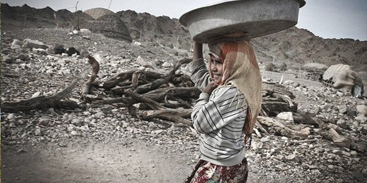 کولبری آب و فرسایش جسم زنان روستایی