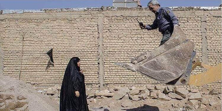 ایستادگی زنان روستایی در برابر حملات ظالمانه نیروهای سرکوبگر رژیم