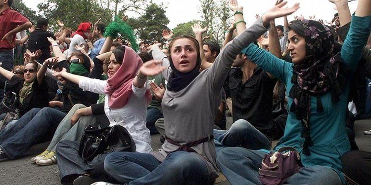 Manifestations et soulèvements en 1999, 2009 et 2017