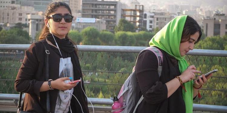 Appel à rendre la société dangereuse pour les opposantes au Hijab obligatoire