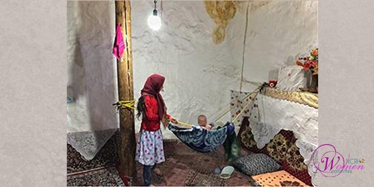 Saïdeh a été contrainte d'épouser un homme de 42 ans à l'âge de 10 ans. Après avoir eu un bébé, elle a divorcé au bout d'un an et demi.