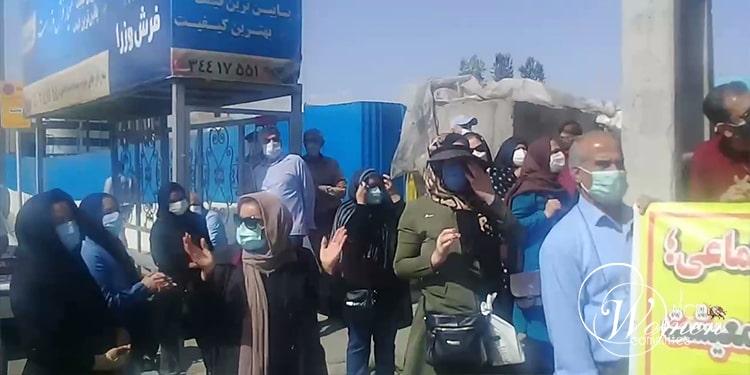 À Téhéran, les retraités iraniens, dont de nombreuses femmes