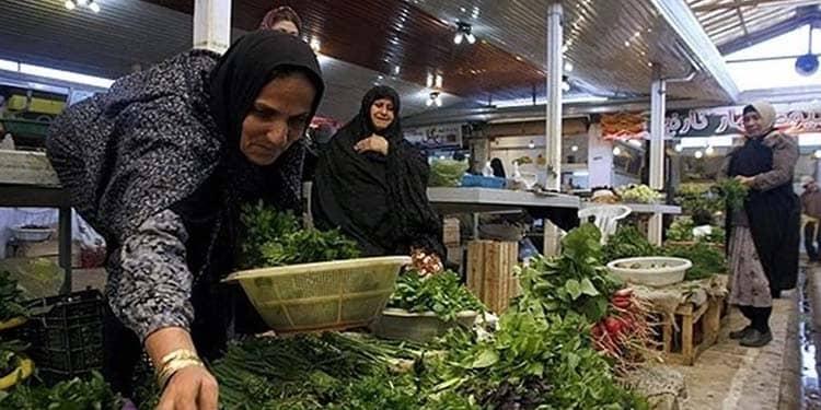 Zahra vient tous les jours au vieux bazar d'Ahwaz depuis les villages de Hamidiyeh
