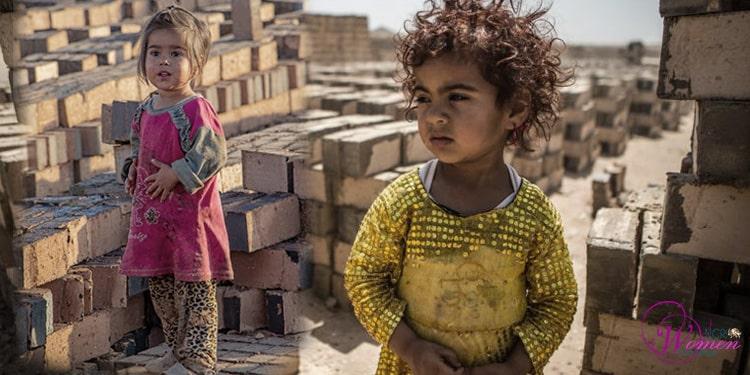 Atteintes physiques aux enfants travailleurs féminins