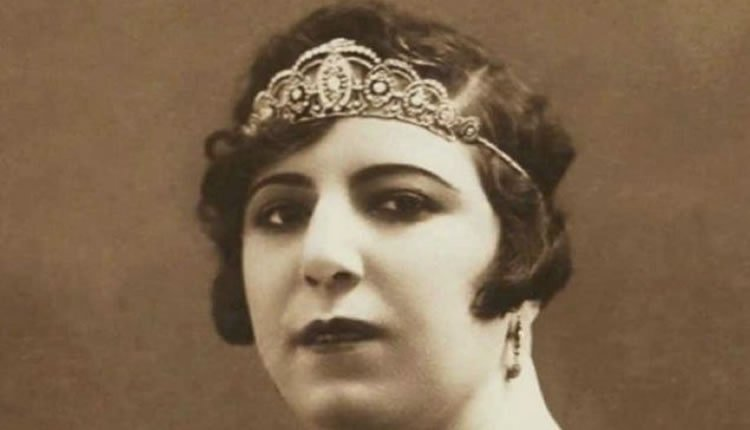 Qamar-ol-Moluk Vaziri, First Iranian Woman Who Sang on Stage