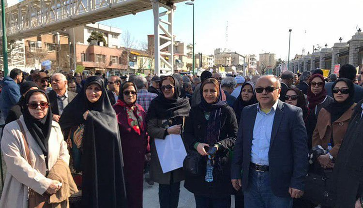 Retirees in Tehran and Isfahan hold protests to demand their rights