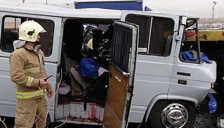 School Minibus Crash Leaves 12-Year-Old Girl Student Dead 1