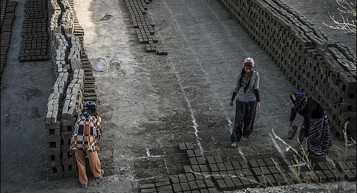 Working conditions of female workers