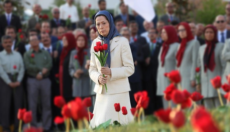 Commemorating victims of the 1988 massacre