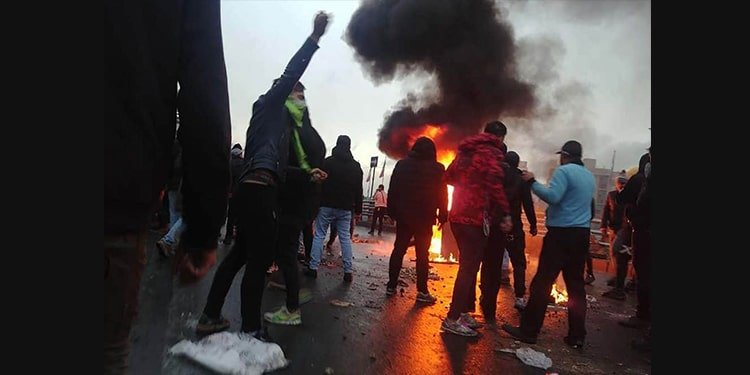 Women's pivotal role in leading the uprising; 6th day of Iran protests