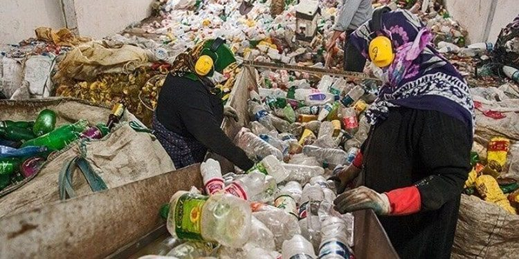 Women Workers of Safireh Garbage Site Deprived of Minimum Rights