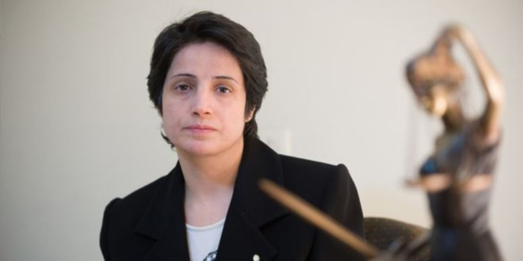Nasrin Sotoudeh in critical condition is taken to Evin Prison clinic