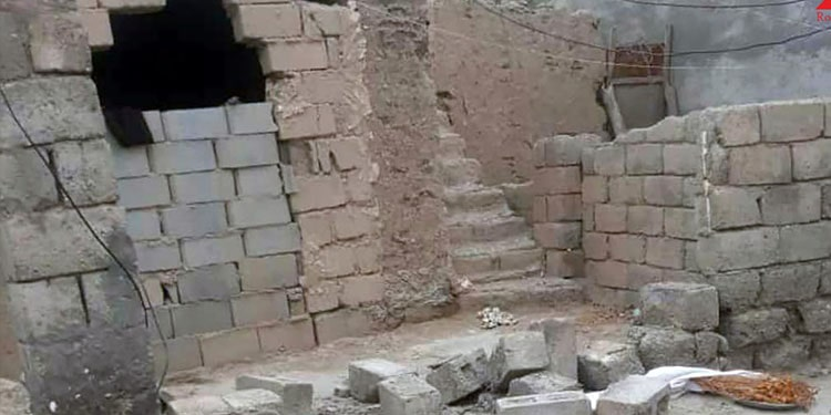 A wall that collapsed on a 10-year-old girl in Shamil village of Bandar Abbas city, killing her
