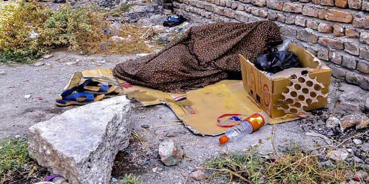 Poverty reaches new record, homeless Iranian women and girls aged 15-60